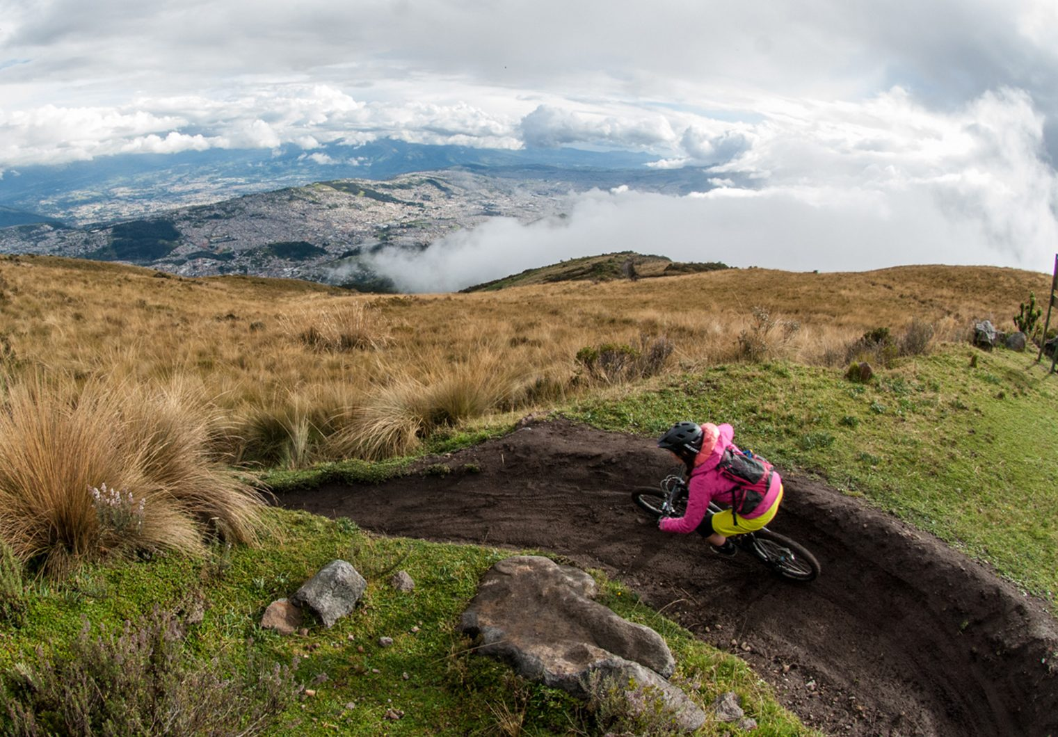 Circuito Quilotoa : Ecuador 10 day mountain biking tour discover the best mtb trails