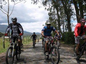 group-biking-corazon-ilinizas