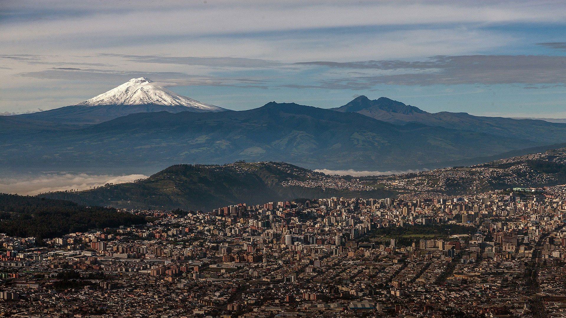 Ecuador Tour, Cotopaxi Climbing, Chimborazo Climbing, Cayambe Climbing